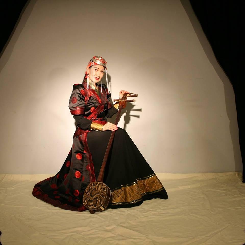 """12705252_943006565746724_7790306815672845275_n Германд """"цахиур хагалж"""" яваа Монгол эмэгтэйчүүд"""