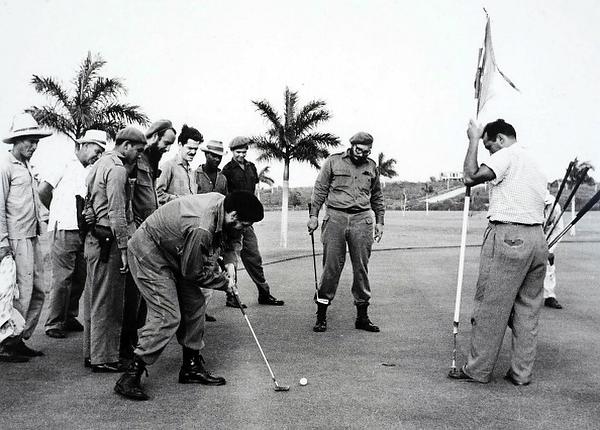 Танхайдуу харагдаж байгаа ч гольф тоглодог л байсан.