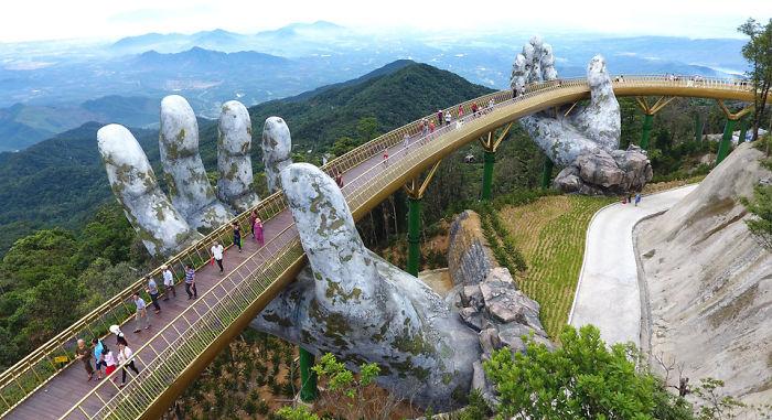 Вьетнамд яг л үлгэрийн гэмээр гайхалтай гүүр нээгджээ