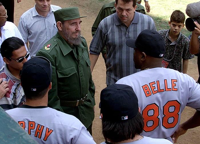 """Кубын бейсболын шигшээ баг АНУ-ын """"Балтимор Ориолс"""" багийн нөхөрсөг тоглолтын үеэр."""